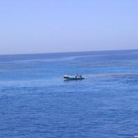 Die Crew beim Anleinen des Bootes, März 2005