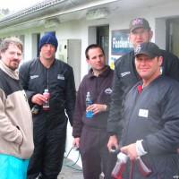Warten an der Füllstation - Daniel, Manne, Martin, Clemens und Micha, Mai 2005