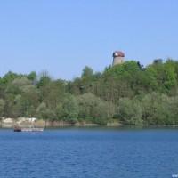 Blick von Einstieg 3 über den See zur Windmühle, April 2007