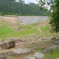 Blick vom 1. Parkplatz Richtung Sperre, August 2002